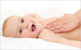 lachelndes Baby